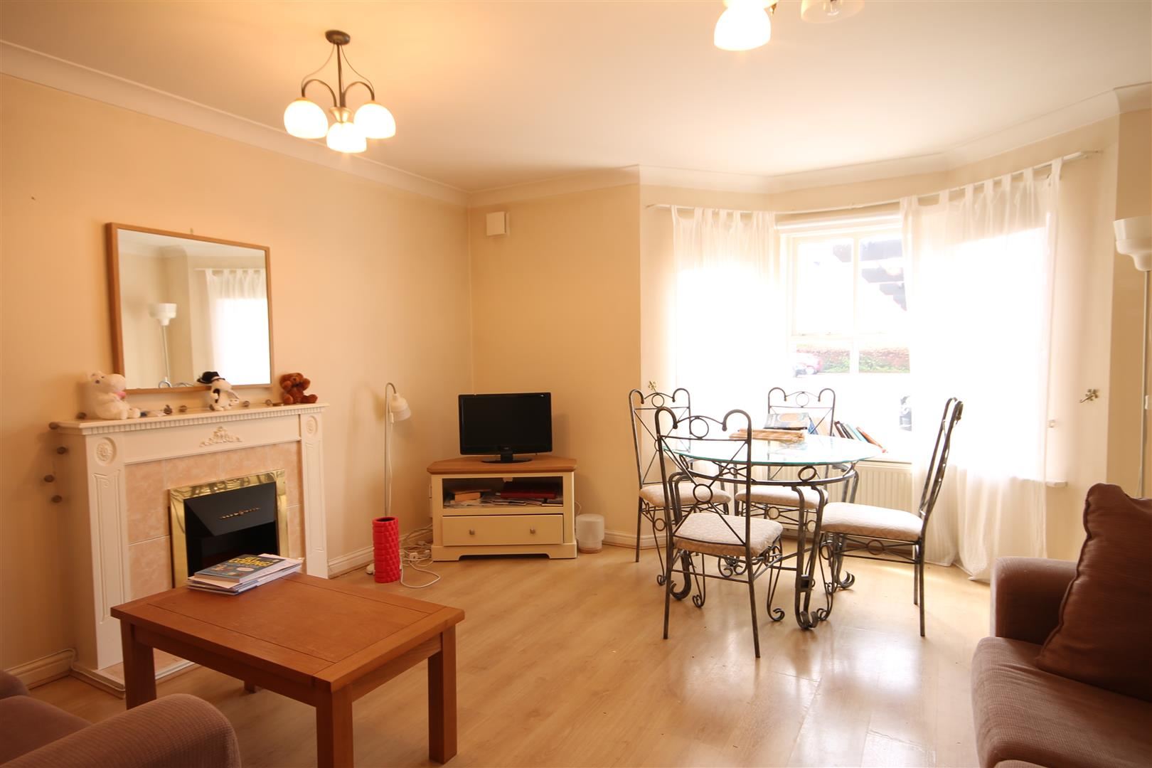 Sovereign Court Newcastle Upon Tyne, 2 Bedrooms  Apartment ,To Let